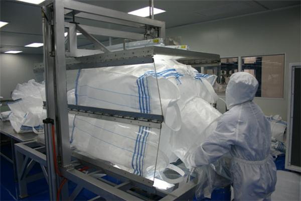 集装箱内衬袋之折袋、打包工序